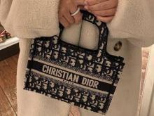Быть стильной легко: модные сумки 2021