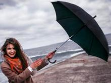 Зонты, меняющие цвет под водой