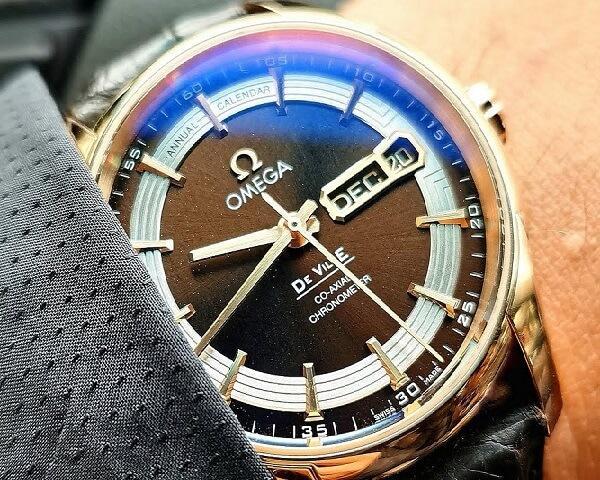 Часы Omega De Ville Hour Vision Annual Calendar