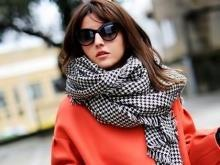 Тепло, стильно, красиво: как носить шарфы, платки, палантины