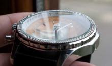Часы с минеральным стеклом: практичность и эстетический эффект