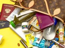 По полкам: как навести порядок в женской сумочке