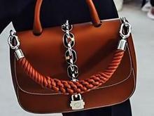 Краса – длинная коса: коллекция сумок с плетеными элементами