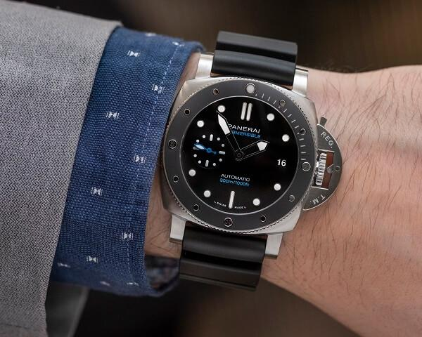 Часы Officine Panerai Submersible Automatic