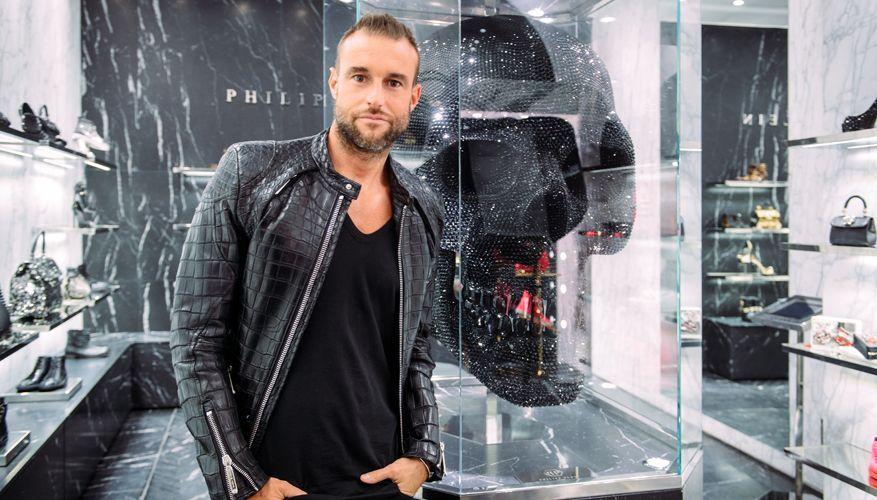 Филипп Плейн в одном из брендовых бутиков