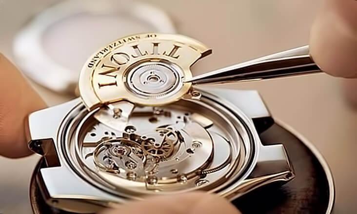 Производство швейцарских часов