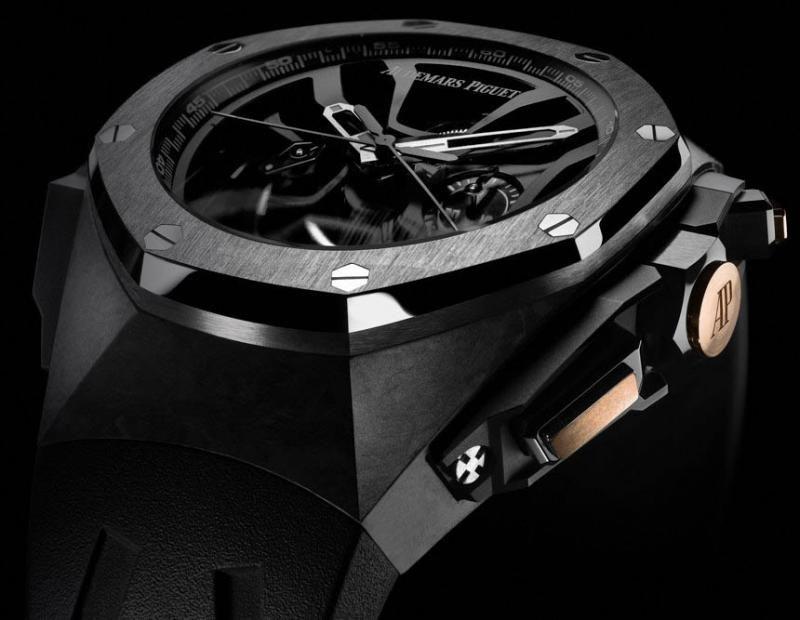 Часы в карбоновом корпусе от Audemars Piguet