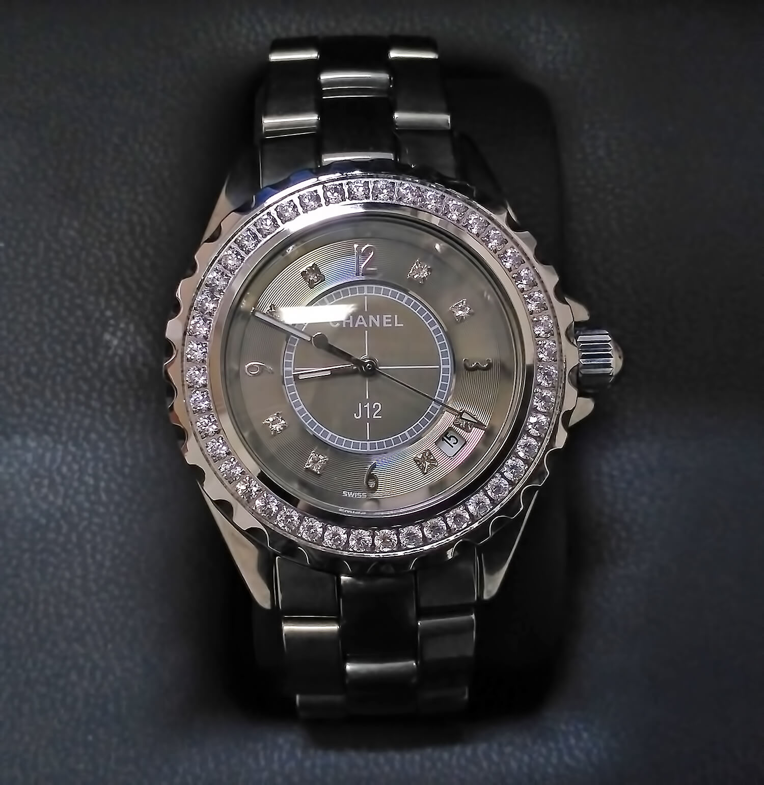 Реплика женских часов Chanel J12 Chromatic Diamond