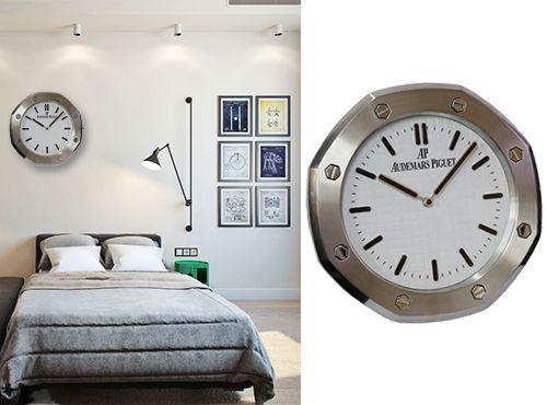 Часы настенные от Audemars Piguet