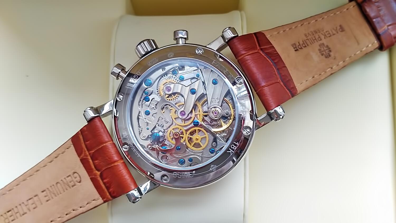 Задняя крышка часов Patek Philippe GRAND COMPLICATIONS полностью прозрачна