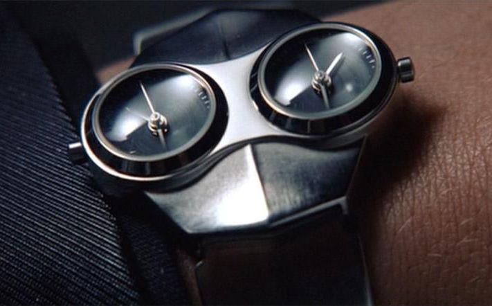 Часы Кристиана Бейла в Эквилибриуме