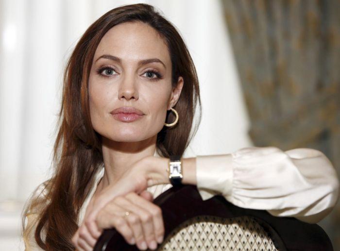 Наручные часы Анджелины Джоли Cartier Tank