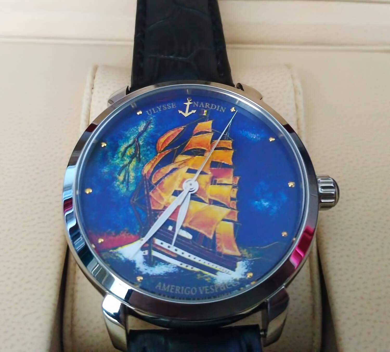 На циферблате реплики часов Улисс Нардин изображен трехпалубный парусник Amerigo Vespucci, выпущенный в Италии в 1931 году