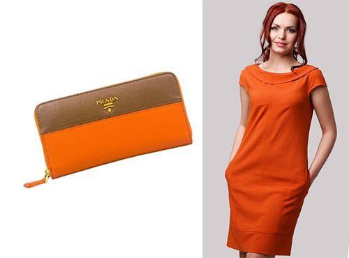Оранжевый женский клатч Prada