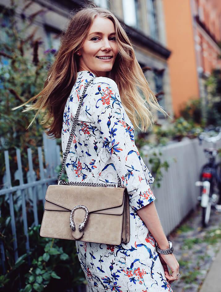 Замшевая сумка - один из самых любимых женских аксессуаров