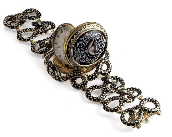 Старинные женские часы, 1813 г, находятся в музее Musée d'Horlogerie du Locie, Швейцария