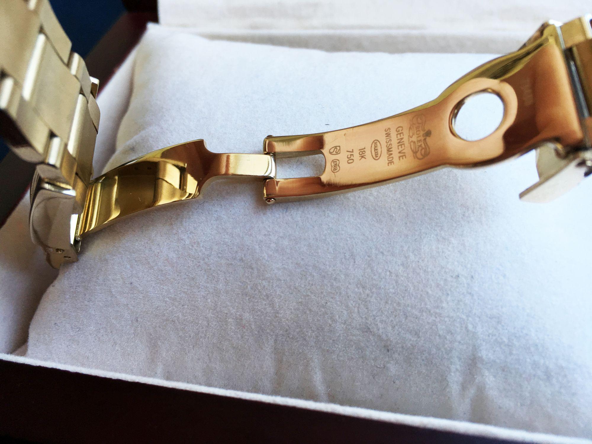 Двойная застежка с предохранителем на браслете часов Ролекс Космограф Дайтона