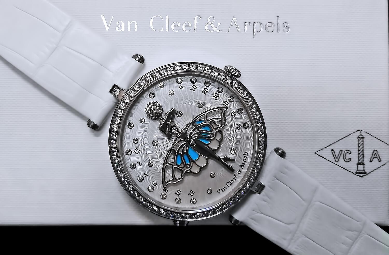 Реплика женских часов Van Cleef & Arpels Lady Arpels Ballerine Enchantee