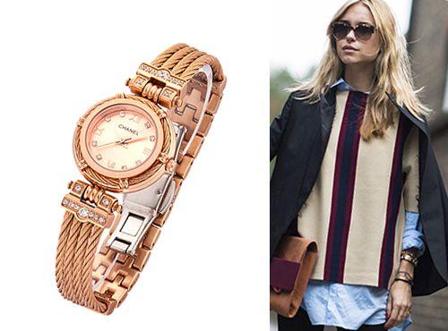 Женские часы Chanel с золотистым ремнем
