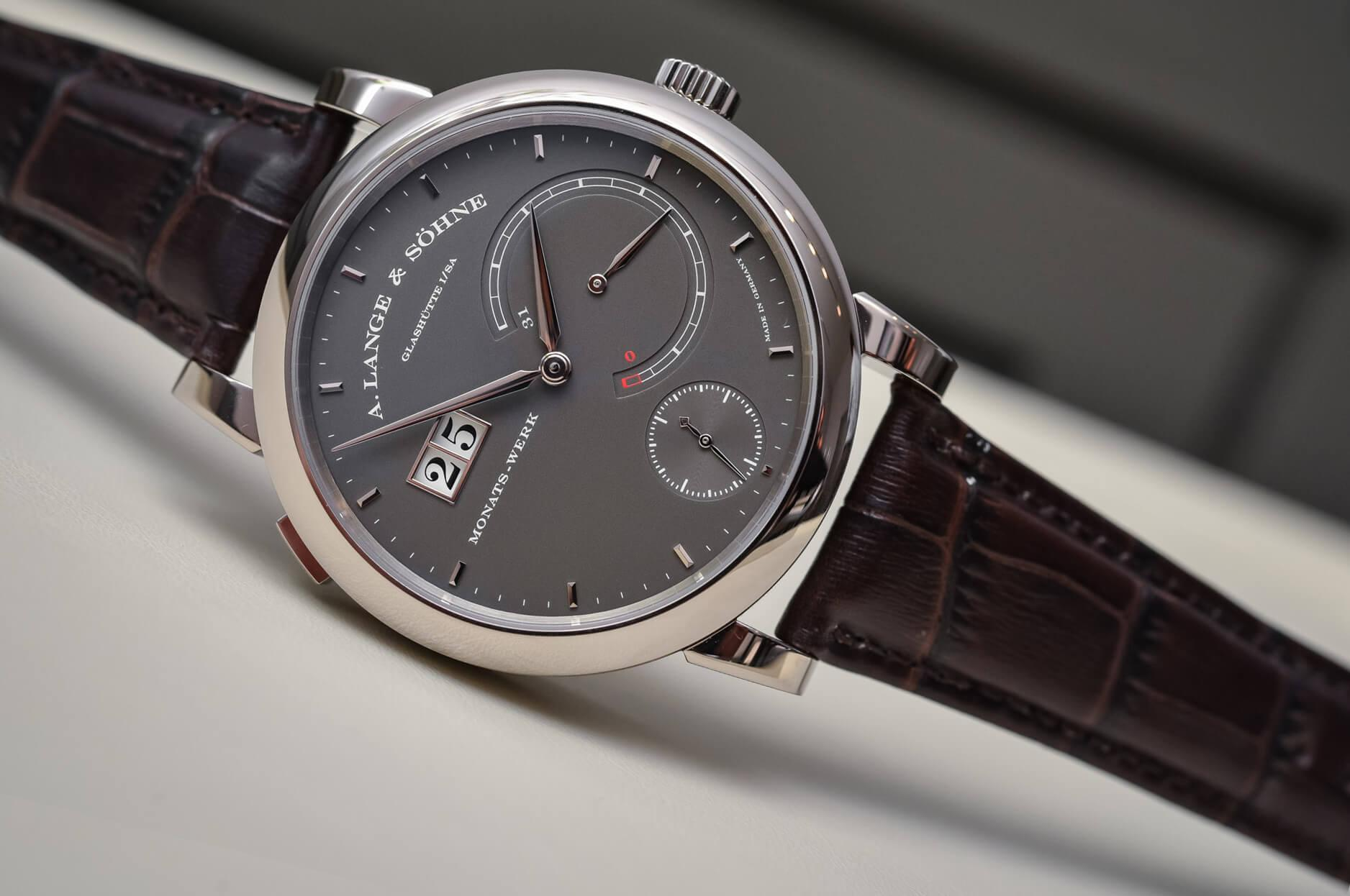Часы на кожаном ремне A. Lange & Söhne