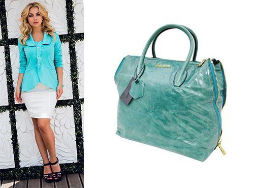 Бирюзовая сумка от Miu Miu