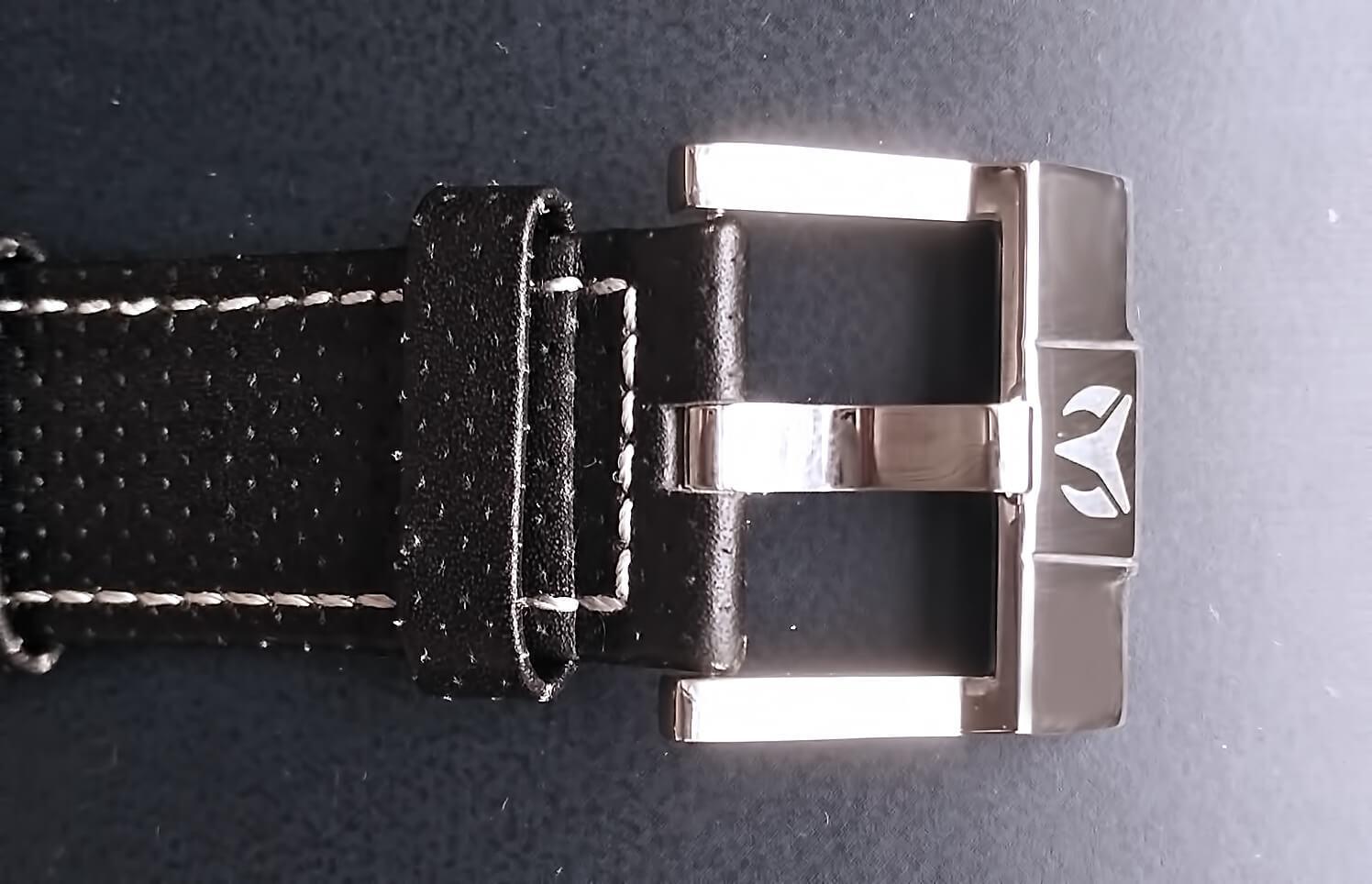 Часы TechnoMarine CRUISE STEEL REGULAR оснащены застежкой классического типа