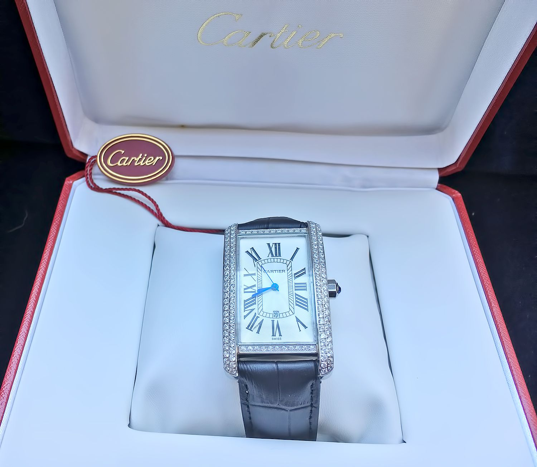 Женские наручные часы CARTIER TANK