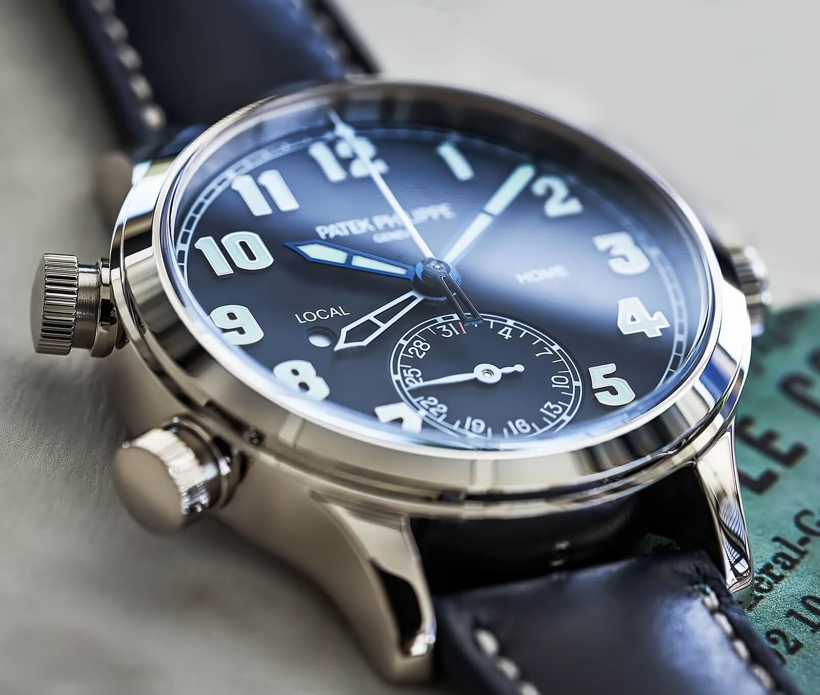 Мужские часы из стали Patek Philippe Calatrava Pilot Travel Time 7234G-001