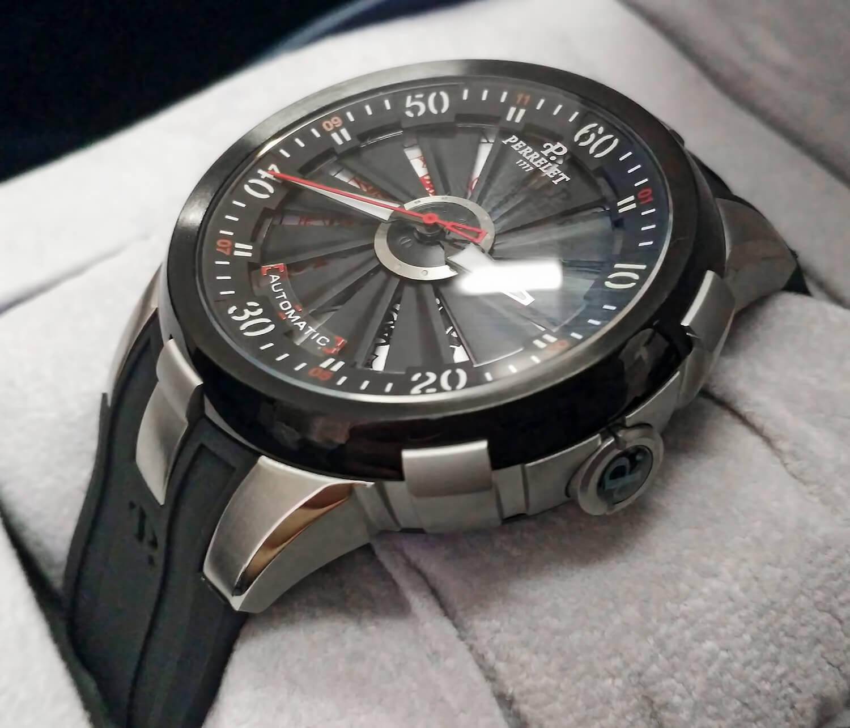 Наручные часы Турбин Иксель Вегас Покер посвящены любимой миллионами игре в покер