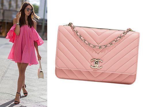 Нежно розовый клатч Chanel