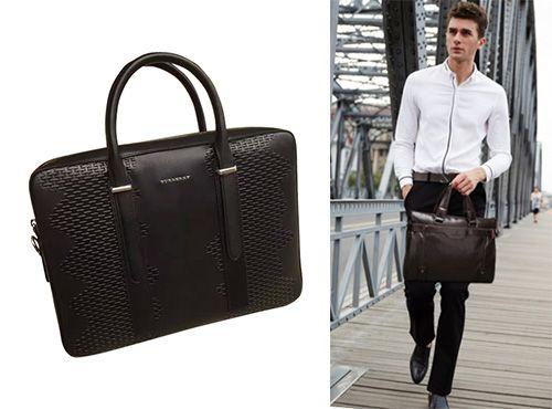 Черная кожаная сумка от Burberry