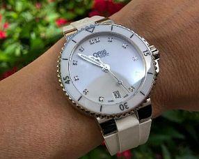 Часы Oris Divers Aquis Date Diamonds