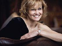 Стиль элегантности Ингеборги Дапкунайте: часы посланницы марки Longines – в каталоге магазина Имидж